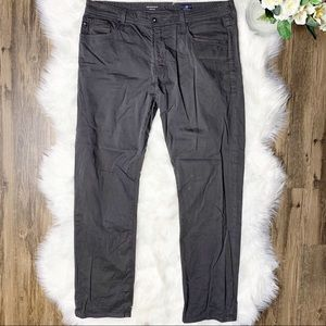 • AG The Graduate Tailored Leg Jeans •